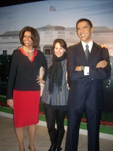 Eva and the Obamas.  (Yes, they are really that tall!)