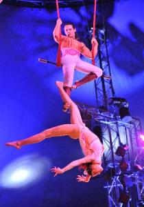 Duo Rose, one of the variete acts we saw at Moisture Festival.  They were breathtaking.  photo credit.