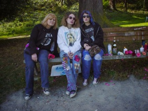 Stephanie (on right) and friends visit Aberdeen, WA in 2004 to pay tribute to Kurt Cobain.