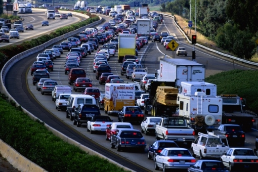 busy-highway-traffic-jam-640x427